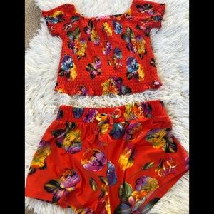 Boutique girls floral shorts and shirred top 10/12